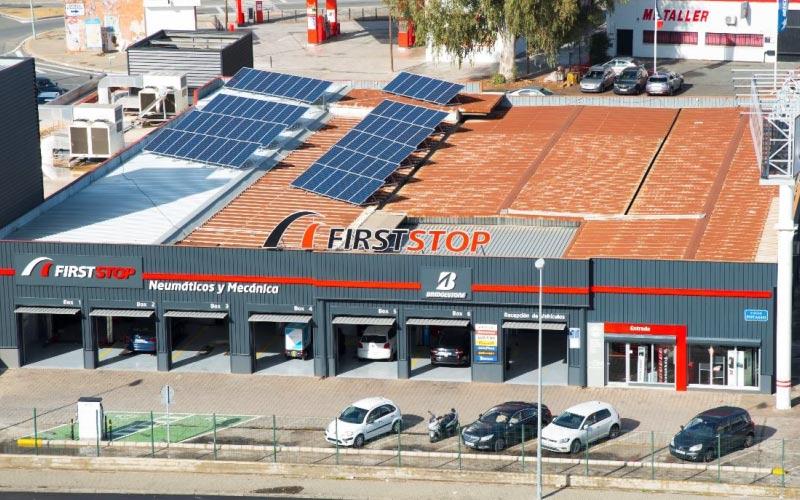 First Stop presenta en Sevilla su primer taller fotovoltaico